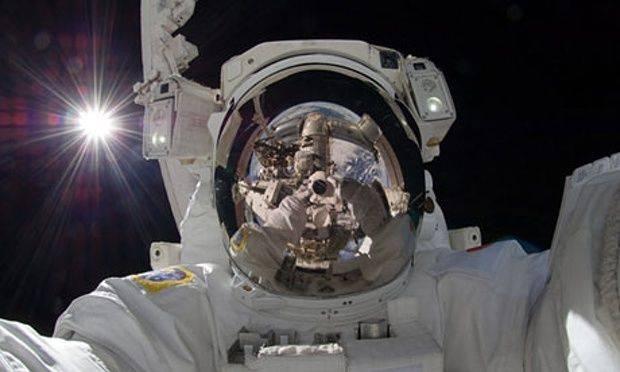 Aki-Hoshides-outer-space--010.jpg