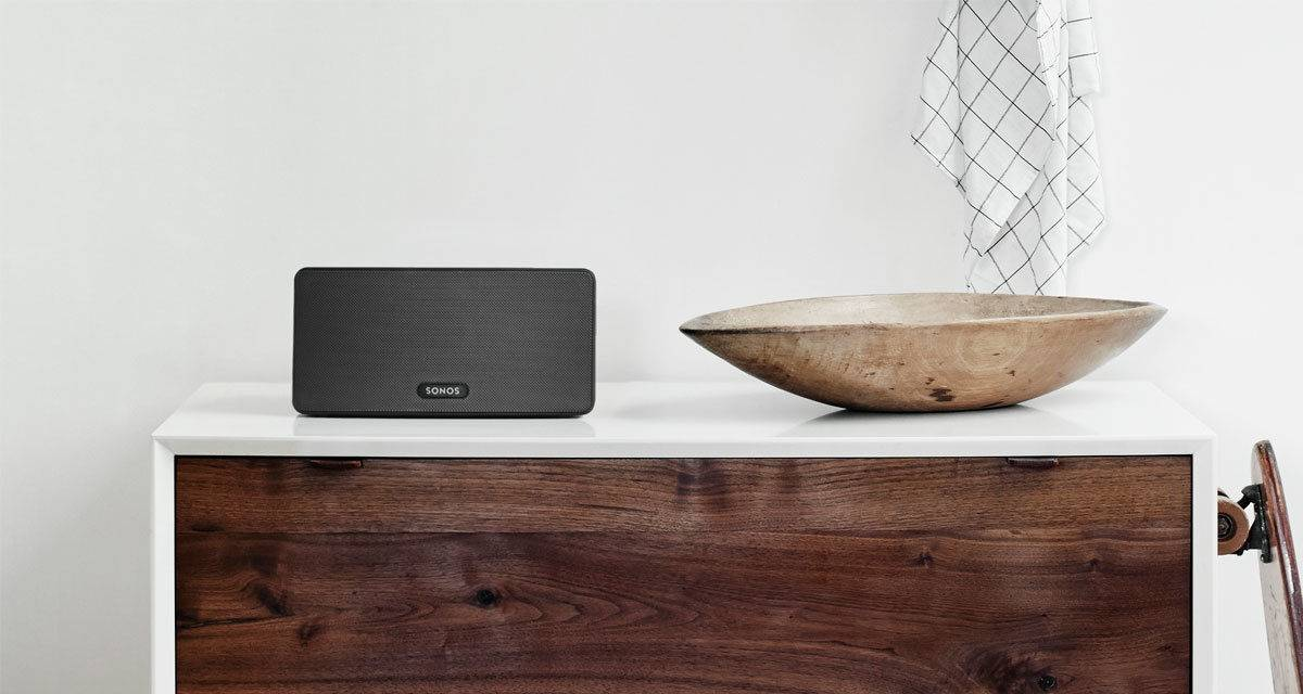 sonos-play3-black-kitchen-speaker.jpg
