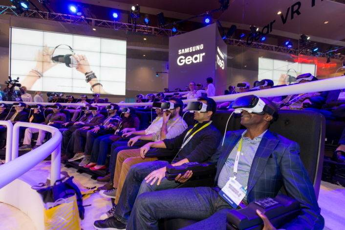 Samsung-Galaxy-Studio_Gear-VR-Theater-with-4d_3.jpg