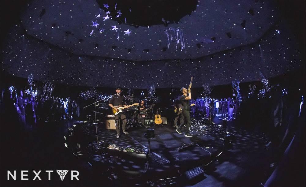 coldplay-virtual-reality-concert-oculus-rift-nextvr-3_meitu_1.jpg