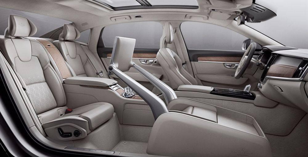 """4.全新S90长轴距T8(E驱混动)三座荣誉版的""""超级头等舱.jpg"""